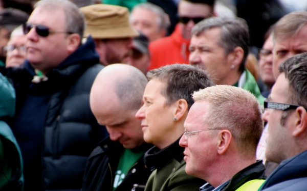 Jeanette Findlay of the Celtic Trust, centre, spoke at the rally (copyright @hargi_)